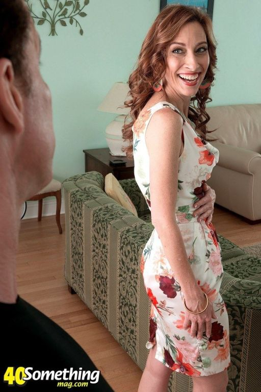 Redhead MILF Betty Blaze gets fucked from behind
