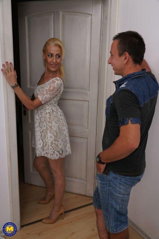 Yelena Vera mature blonde in stockings fucks with