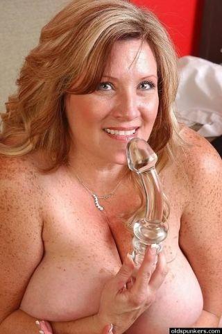 Fat mature Deedra Rae showing big boobs and playin