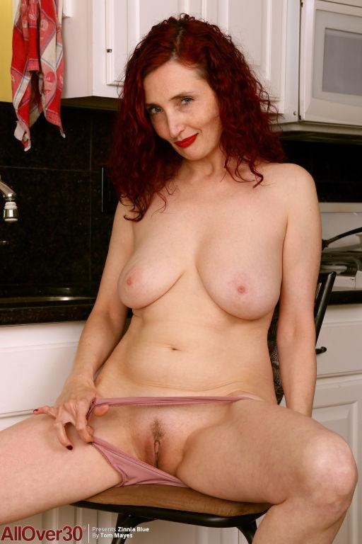 Lovely Redhead MILF Zinnia Blue