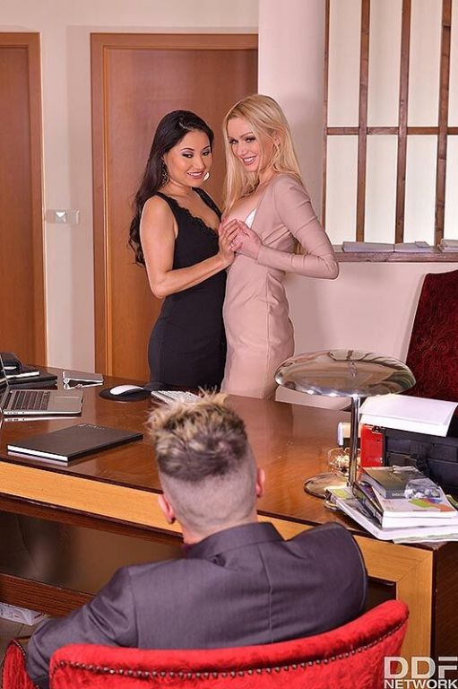 Amber Jayne  Cristina Miller threesome fucking at
