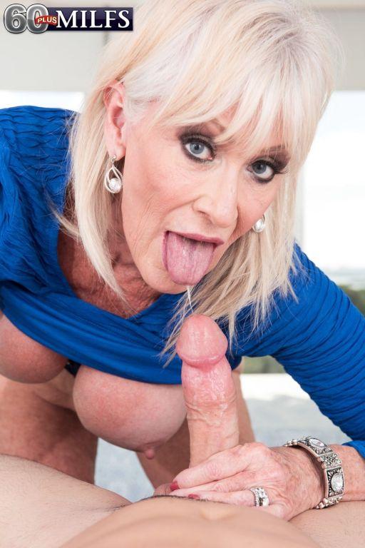 Hot grandmother Leah L'Amour seduces her granddaug