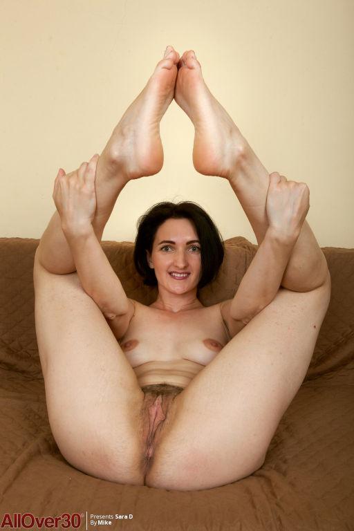 Sara D Flexible MILF