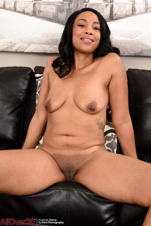 Ebony sexy Cierra