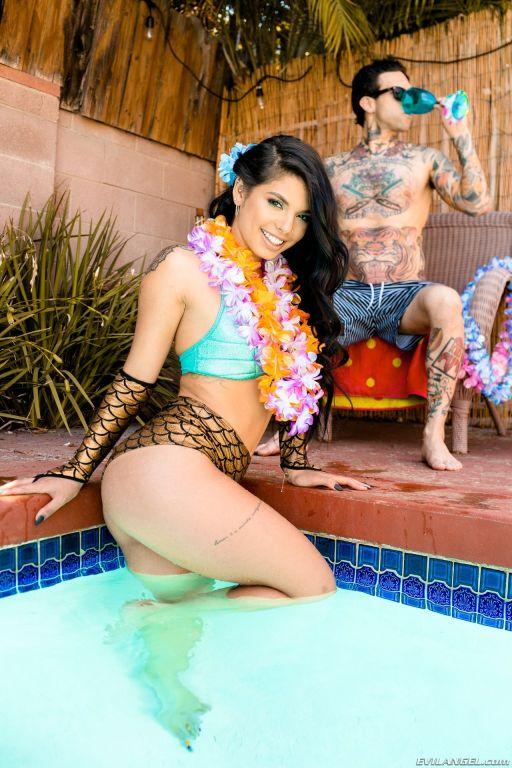 Squirting Latina Gina: Anal Pool Party