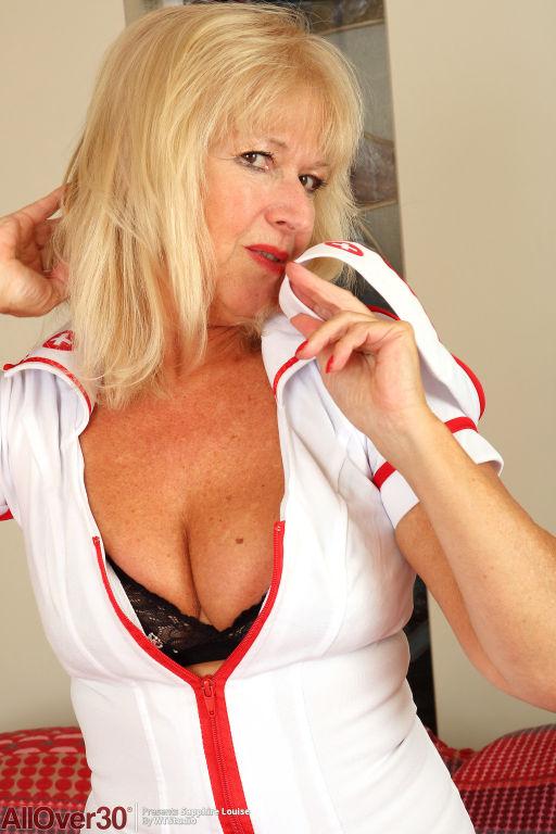 Flirty Nurse Sapphire Louise