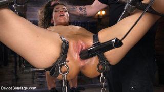 Seductive Slut Victoria Voxxx Needs It All