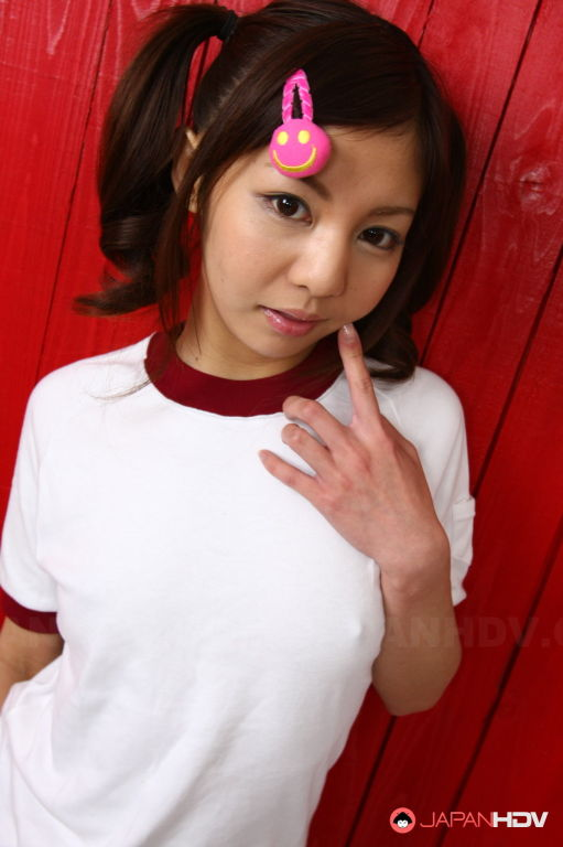 Sexy Asian teen gal Hikaru Aoyama