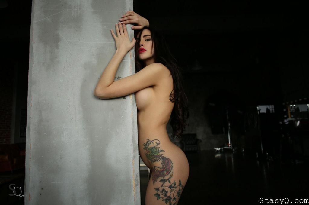 Awesome Body Art Kira