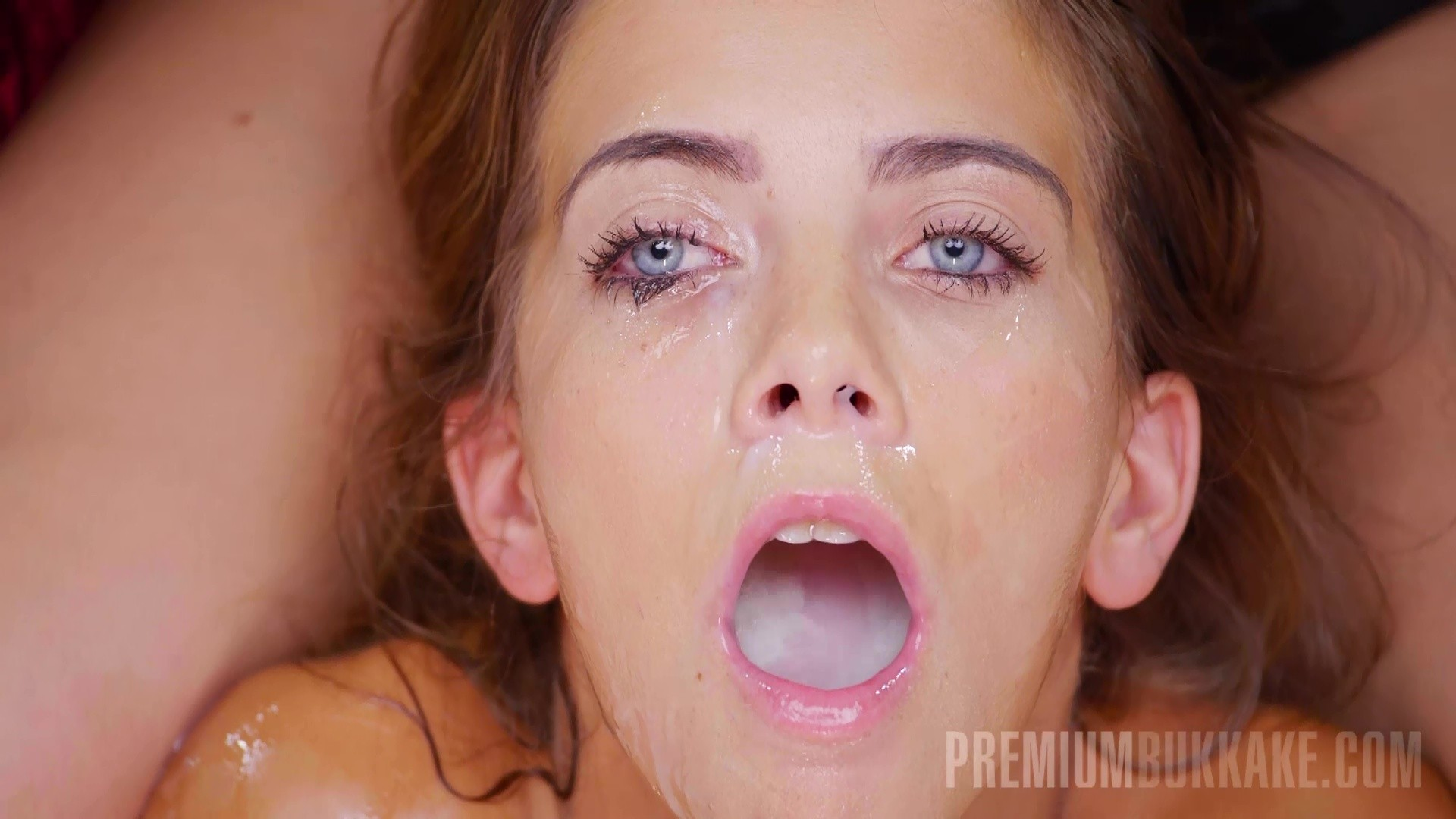 Extremely wet creamy pussy