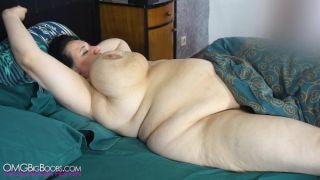 Sunniva Lind Masturbating In Bed