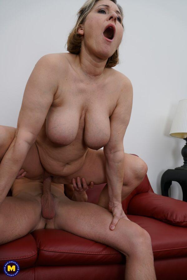 Mila kunis nipples