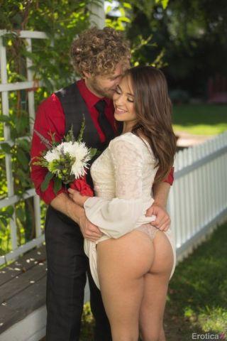 nude Sara Luvv cumshots -erotica x