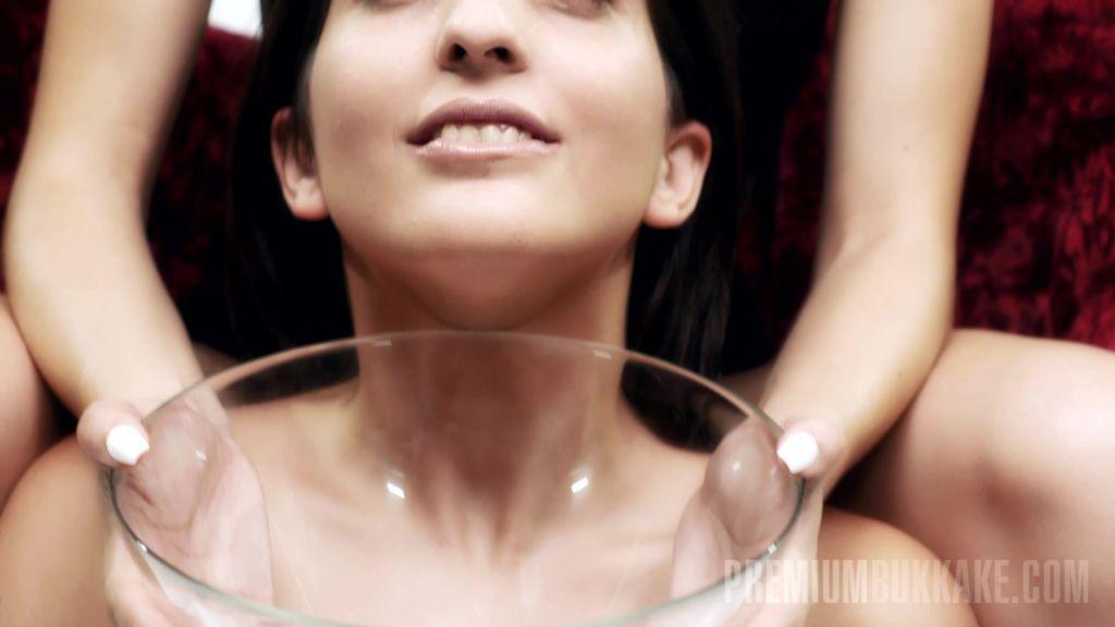 Jimena gets an intense cum shower for her face