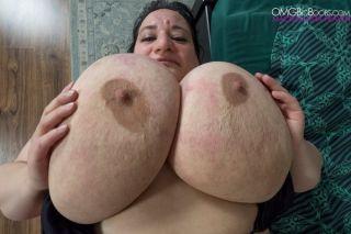 Sunniva Lind Gigantic Breasts