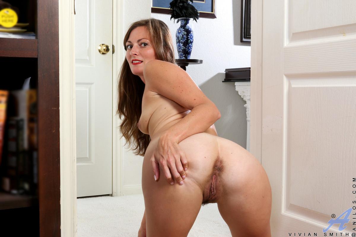 Smith nude Vivian
