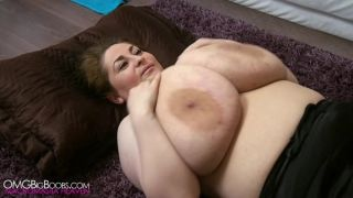 85JJ Big Tits On Back