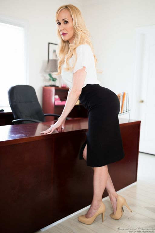Сurvy MILF attorney Brandi Love