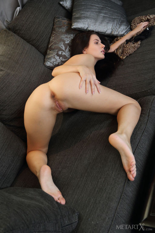 Enjoy some quality time with Jasmine Jazz hanging