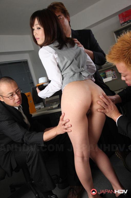 Arisa Suzuki is ready for hot sex