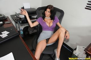 Milfy brunette Alexis Fawx with long legs and big