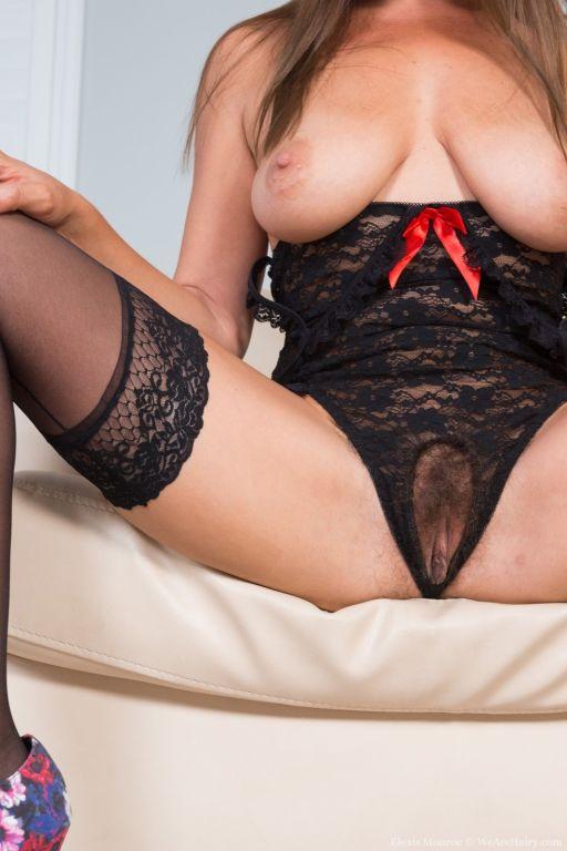 Elexis Monroe models her sexy black lingerie