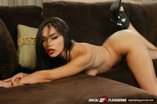 Playful Latina bimbo Selena Rose keeps deep throat
