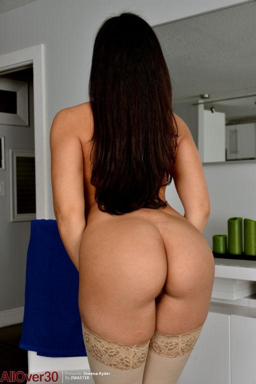 Sheena Ryder Busty In Blue