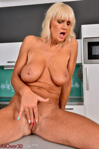 porn Roxana masturbation busty