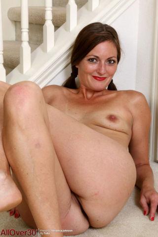 nude Veronica Johnson brunette wife