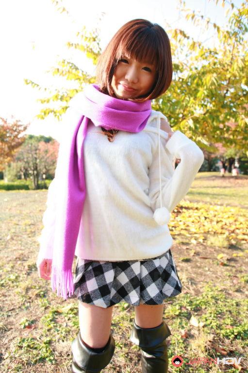 Mahiru Tsubaki shows off with joy