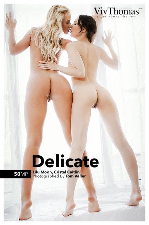 Lilu Moon and Cristal Caitlin seduces each other a