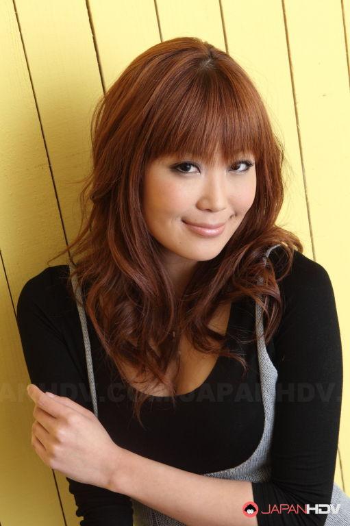 Yuno Hoshi showing her sexy body