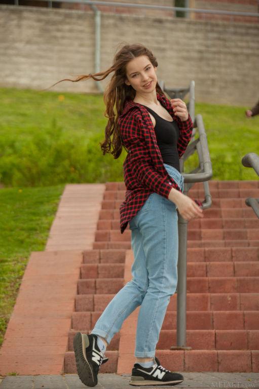 Young lady Cherish set Tarni by MetArt