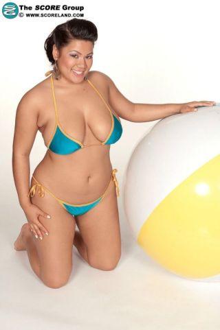sexy bikini big tits