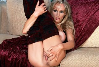 Big-breasted blonde Tanya Danielle demonstrating h