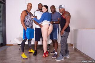 porn Hannah Vivienne group sex gangbangs