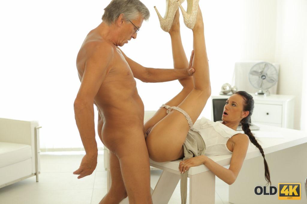 OLD4K Old daddy penetrates smokinghot secretary in