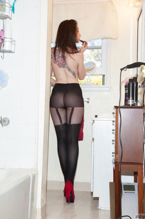 Big tit brunette girl Adolisca Cooley posing in se