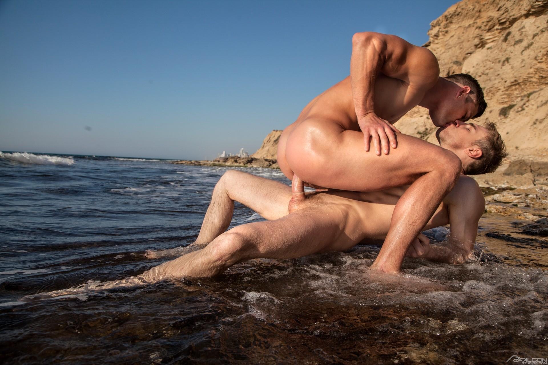 Порно Геи Море
