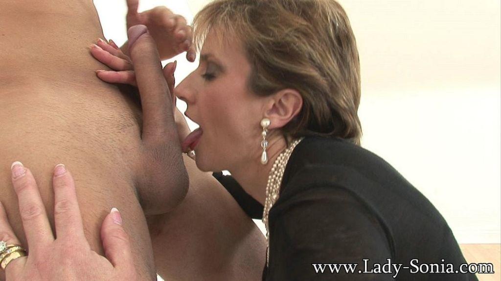 British milf Lady Sonia loves cocks