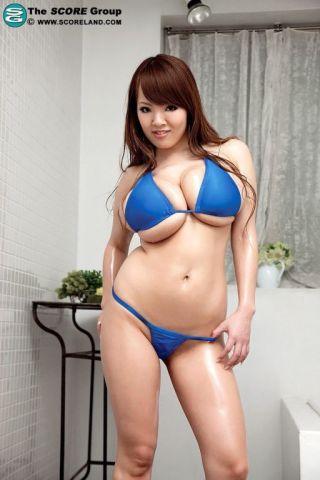 naked Hitomi big tits pornstars