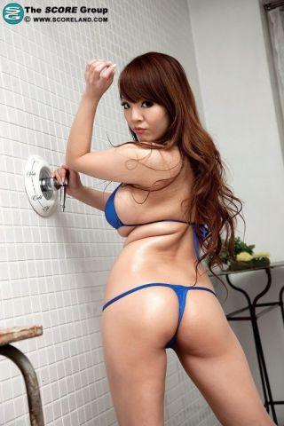 naked Hitomi asian busty