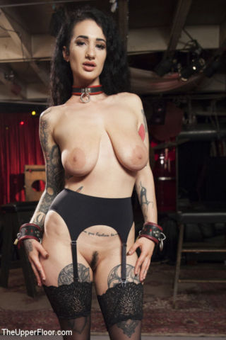 naked Aiden Starr bondage lesbians