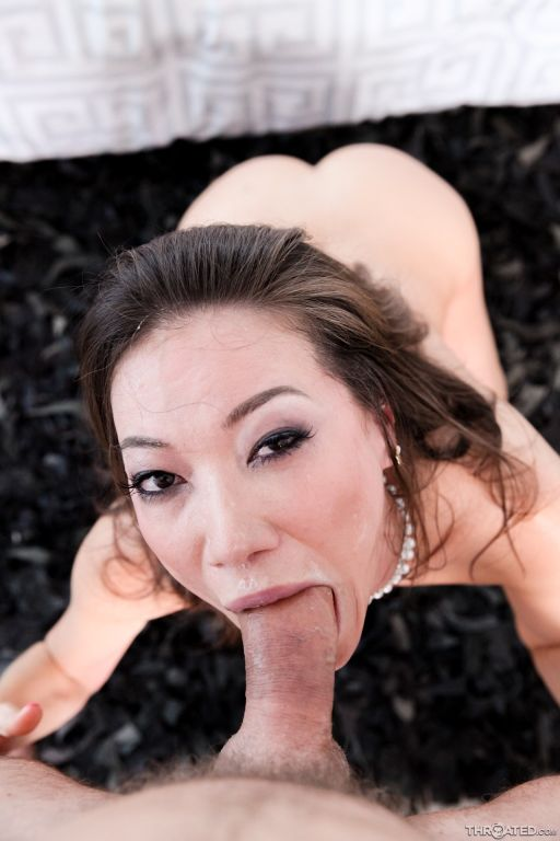 Asian cocksucker Kalina Ryu has an oral fixation