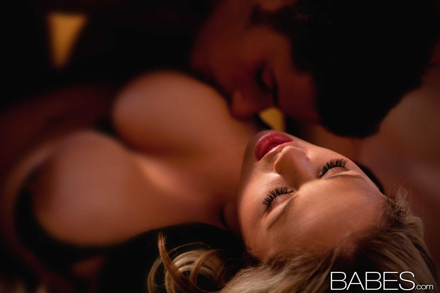 было эротические фантазии на ночь видео девушек