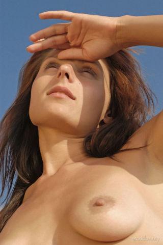 nude Irena C outdoor -erotic beauty