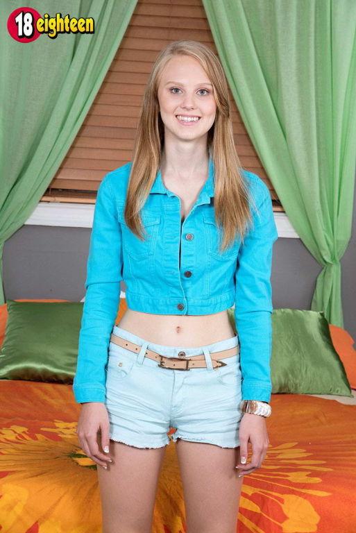 Slim teen girl Lily Rader sucking and fucking