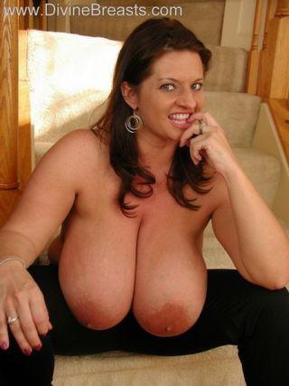 Maria Moore Big Boobs Tight Top
