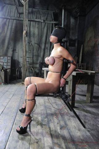 nude Tia Ling bdsm pussy